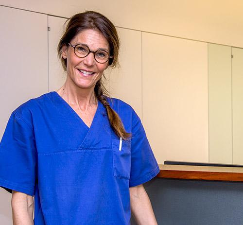 Herzpraxis-Schwyz-Herzspezialist-Herzarzt-Kardiologie-Herzcheck-Teambild-Ann-Charlotte-Arend-1